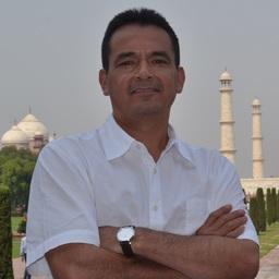 Dr. Eric Morales Casique
